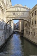 Puente de los Suspiros (Ponte dei Sospiri) (jesussanchez95) Tags: puentedelossuspiros pontedeisospiri venecia venice italia italy arch building architecture bridge