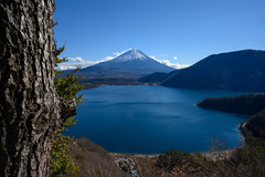 Fuji on the winter sunny day (shinichiro*) Tags: 20190102dsc2700 2019 crazyshin nikonz6 nikkorz2470mmf4s january winter yamanashi japan jp fuji lakemotosu 本栖湖 中ノ倉展望地 46646570492 candidate