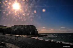 Falaise d'Etretat en contre-jour (didier95) Tags: falaisedetretat etretat normandie mer paysage scenedevie plage galet soleil ciel