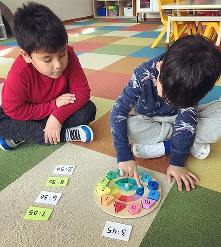 Tick tock! We can read the clock 🌟 #preschool #kindergarten #math #time #learning #tokyo #東京 #幼稚園 #保育園 #英語育児 #インターナショナルスクール