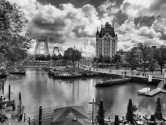 Rotterdam, 25-7-2017 (k.stoof) Tags: rotterdam oude haven witte huis wolken clouds harbor