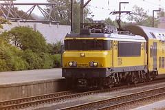 NS 1764 (bobbyblack51) Tags: ns class 1700 alsthom bobo electric locomotive 1764 venlo station 1995