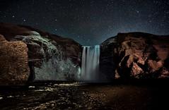 Islandia 155 (zapicaña) Tags: skogafoss iceland islandia island landscape night nightlandscape paisaje waterscape waterfall water sky cielo stars estrellas zapigata