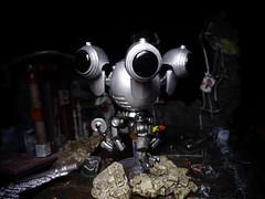 Mr. Handy (ridureyu1) Tags: fallout bethesda funko pop funkopop bobblehead mysterymini toy toys actionfigure toyphotography sonycybershotsonycybershotdscw690