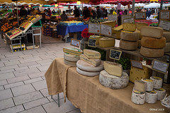 At a market in Beaune (i-lenticularis) Tags: tokinaaf2035f3545 beaune market marché streetphoto burgundy france bourgogne