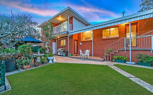8 Ayres Cr, Georges Hall NSW 2198