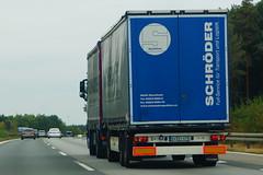Krone Load Carrier 3 Achse Anhänger - Gebr. Schröder GmbH & Co. KG Ebernhan, Deutschland (Celik Pictures) Tags: duitsland almanya germany deutschland allemagne seenindeutschland nürnberg würzburg frankfurt köln a3 e56 autobahn autobaan snelweg motorvag highway freeway a3e56autobahnpassaunürnbergwürzburgfrankfurtkölndeutschland vacationphotos roadphotos vehiclephotos shootedonhighway shootedfromhighway shootedfromcar seenata3e56autobahnpassaunürnbergwürzburgfrankfurtkölndeutschland wway678 krone load carrier 3 achse anhänger ebernhan gebrschrödergmbhcokg