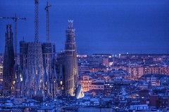 La Sagrada Familia (drdiegoept) Tags: barcelona cataluña españa catalunya spain antoniogaudí lasagradafamilia unesco worldheritage traveltheworld europe patrimoniodelahumanidad patrimoniomundial ilovespain nikon nikond5500 night bluehour