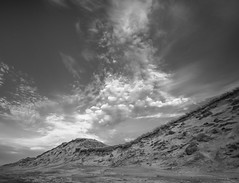Clouds at the beach (Brian Dalgaard Mikkelsen) Tags: xt2 fuji bw blackandwhite westcoast beach denmark nationalparkthy nature clouds