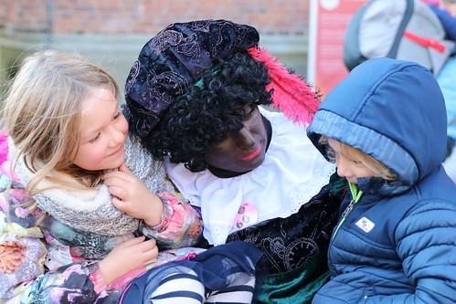 "2018-11-18 Sinterklaas-fotografie VraagAnthea (17) <a style=""margin-left:10px; font-size:0.8em;"" href=""http://www.flickr.com/photos/44627450@N04/45061565285/"" target=""_blank"">@flickr</a>"