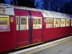 Island Line 423 004 at Shanklin (Alex-397) Tags: iow isleofwight england britain island uk train transport tube londonunderground islandline class483 1938stock travel