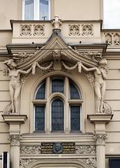Prager Fassadendetails - 14 (fotomänni) Tags: prag prague praha jugendstil fassadenfiguren skulptur skulpturen sculpture kunst art manfredweis