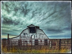Take a peek... (Sherrianne100) Tags: rural barn buffalomissouri missouri