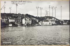 Postkort fra Agder (Avtrykket) Tags: hisøy bolighus brygge båt hus postkort sjekte arendal austagder norway nor