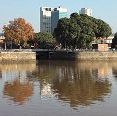 Reflejos (carlos_ar2000) Tags: puerto port rio river reflejo reflected reflection color colour distorsion distortion buenosaires argentina