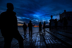 Sunset in Lisboa (Samuli Koukku) Tags: portugal lisbon lisboa sunset 2018 people shadow silhouette pier sky blue art artistic tourism seascape landscape city cityscape citylights urban europe west westerneurope slippery canon 1dx2 2470 streetphotography street