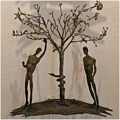 vinci 8 (beauty of all things) Tags: italien toskana vinci sakrales skulpturen sculptures quadratisch