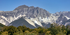 Carrara Tuscany Italy 2018 (John Hoadley) Tags: marble mountain carrara tuscany italy 2018 september canon 7dmarkii 24105 f45 iso400