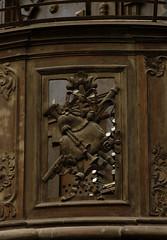 Liège, Wallonië, Église St.-Antoine, organ balcony, detail (groenling) Tags: luik liège belgië belgique wallonie wallonië be églisestantoine courdesmineurs couventdesmineursdeliège organ orgel orgue balcony balustrade balkon borstwering doksaal tribune mmiia wood carving woodcarving hout houtsnijwerk snijwerk bois ajour openwork bagpipe doedelzak cornemuse bassoon basson fagot