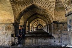 ISFAHAN (RLuna (Instagram @rluna1982)) Tags: irán persia parsi orientemedio desierto zoroastro zaratustra photo rluna rluna1982 viaje travel vacaciones instagramapp canon yazd arquitectura ruinas arte patrimoniodelahumanidad patrimoniodelaunesco mezquita masjid muslim musulman religión isfahan esfahan
