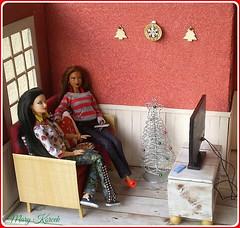 16.advent day - advent calendar with dolls (Mary (Mária)) Tags: barbie barbiebasic doll tv television christmas christmastree diorama scene indoor films winter handmade dollhouse dollroom friends mattel marykorcek