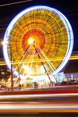 Movement (Max' Photos) Tags: movement road traffic light ferriswheel christmasfair christmas night evening germany saxony riesenrad strase verkehr bewegung weihnachtsmarkt nacht abend lichter weihnachten sachsen deutschland dresden