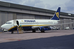 EI-CNV (Ryanair) (Steelhead 2010) Tags: ryanair boeing b737 b737200 ema eireg eicnv