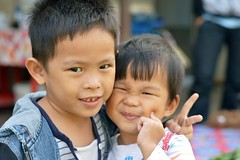 cute brothers (the foreign photographer - ฝรั่งถ่) Tags: cute two brothers khlong lard phrao portraits bangkhen bangkok thailand nikon d3200