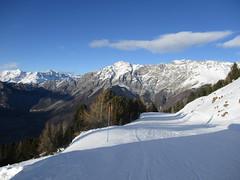 Skiing in the Alps (gwackamo) Tags: skiing snow italy bormio alps red slope europe