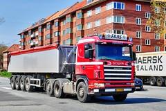 AJ25760 (14.04.25)_Balancer (Lav Ulv) Tags: 168087 r460 e2 euro2 marselisboulevard stadionallé 4series 144l scania rseries scaniarseries brdrfriispedersentransport 6x2 afmeldt2015 retiredin2015 abgemeldet2015 bulktipper dansontrailer 2000 truck truckphoto truckspotter traffic trafik verkehr cabover street road strasse vej commercialvehicles erhvervskøretøjer danmark denmark dänemark danishhauliers danskefirmaer danskevognmænd vehicle køretøj aarhus lkw lastbil lastvogn camion vehicule coe danemark danimarca lorry autocarra danoise vrachtwagen trækker hauler zugmaschine tractorunit tractor artic articulated semi sattelzug auflieger trailer sattelschlepper vogntog oplegger sættevogn