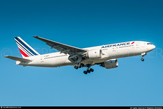 [CDG.2016] #AirFrance #AF #AFR #Boeing #B777 #F-GSPY #awp (CHR / AeroWorldpictures Team) Tags: air france boeing 777228 er msn 32305 395 eng ge ge9094b reg fgspy history aircraft first flight built site everett kpae wa usa delivered airfrance af afr configured f4c49w24y171 reconfigured c40w24y216 b777 b772 b777200 landing paris cdg lfpg avion plane aircrafts airplane european airlines aeroworldpictures planespotting nikon d300s zoomlenses nikkor 70300vr raw lightroom chr 2016