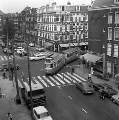 Tight turn (railfan3) Tags: gemeentevervoersbedrijf gvba kinkerstraat jpheijestraat amsterdamsetrams amsterdamtrams amsterdamwest 1971 kinkerstraat971 oudetrams voormaligetramsporen amsterdam amsterdams trammaterieel tramsporen tramtraject oudetramsporen trams trolleys omleidingen omleggingen enkelgelede gvb557 beijnes geledetram1g beijnestrams tramcars tram tramway triebwagen tramwagens trammetjes tramwegmaterieel retrotrams hoekkinkerstraat kinkerbuurt vintagetrams ouderwetse oudewagens klassieketrams krappehoek streetcars strassenbahnwagen strasenbahn nederlandse gelenkwagen