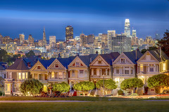 The Painted Ladies & the San Francisco Skyline © (Rodolfo Quinio) Tags: thepaintedladies sanfranciscoskyline nikond800 nikonafs2470mmf28ged sanfranciscoca sanfranciscocounty bluehour victorianedwardianhouses longexposure 222