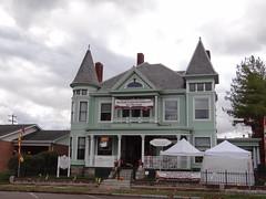 Cool House - Circleville, OH (jaci starkey) Tags: 2012 ohio pickawaycounty