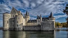 Château de Sully-sur-Loire (Daniel_Hache) Tags: castle batiment sullysurloire olympus em1 chateau loiret france fr
