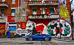 Radical chic (Marco Trovò) Tags: marcotrovò hdr canong1x milano italia italy città city strada street edificio building naviglio waterway graffiti murale mural viaemiliogola