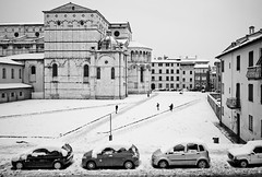 Lucca Cathedral in snow (Camera Freak) Tags: 180217londonitalyleica2018 lucca italy tuscany leica m10 snow winter february 2018