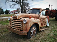 Half the Man I used to be... (Dave* Seven One) Tags: chevrolet 6400 advancedesign chevroletadvancedesign chevrolet6400 1940s 1950s roadsideusa roadsideamerica rusty rusted rot rotted decay decaying junk salvage broken used dead halfthemaniusedtobe farmtruck farm