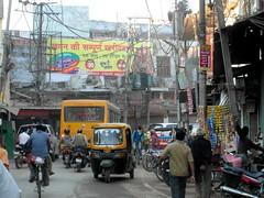varanasi morning traffic (kexi) Tags: varanasi benares india asia many people rickshaws cars traffic morning busy february 2017 wires bikes samsung wb690 instantfave hccity