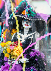2018 Noche de Altares Santa Ana 4 (Marcie Gonzalez) Tags: ca socal so cal orange county southern festival celebration festivals celebrations day dead dia de los muertos diadelosmuertos tradition traditional honor family friends noche altares nochedealtares night dance dancing festive fun annual event events mexico mexican altar costume costumes paint painted face skull skeleton 2018 dayofthedead dancer dancers north america cultural usa us marcie gonzalez marciegonzalez marciegonzalezphotography photography canon 2018nochedealtaressantaana nochedealtaressantaana altars calif california día
