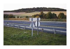 _PRE8328 (Jordane Prestrot) Tags: ♎ jordaneprestrot route road ruta autoroute highway autopista sign cartel panneau crépuscule dusk crepúsculo