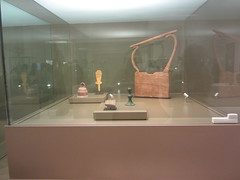 Lyre and other musical instruments,  CaixaForum, Madrid, June 2018 (d.kevan) Tags: exhibitions caixaforum ancientinstruments displaycabinets june2018 madrid spain exhibits instruments lyres
