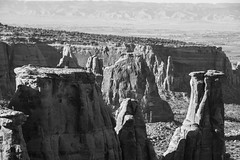 Colorado in B&W (trainmann1) Tags: nikon d7200 amateur outside exterior outdoors fall 2018 vacation trip scenic beautiful co colorado west midwest bw blackwhite blackandwhite desaturated coloradostatemonument statepark nationalparkservice coloradomonument park scenicoverlook formations rockformations historic monument canyon handheld