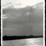 Archiv R807 Das gegenüberliegende Ufer, 1930er thumbnail