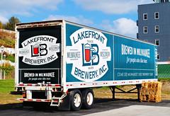 Lakefront Brewery - Milwaukee, Wisconsin (Cragin Spring) Tags: city urban milwaukee milwaukeewi milwaukeewisconsin midwest unitedstates usa unitedstatesofamerica wisconsin wi truck deliverytruck lakefrontbrewery trailer beer piwo bier