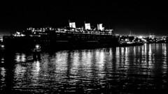 Long Beach 1 (Tasmanian58) Tags: ship queenmary cruise hotel longbeach beach california la night vintage ancient usa light