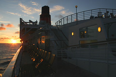 Queen Elzabeth 2, North Atlantic, July 5th 2006 (Southsea_Matt) Tags: qe2 queenelizabeth2 cunard carnival cruise july 2006 summer canon 300d ship boat vessel cruiseliner northatlantic sunset