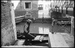 (The Venetian Job) (Robbie McIntosh) Tags: leicamp leica mp rangefinder streetphotography 35mm film pellicola analog analogue negative leicam summilux analogico leicasummilux35mmf14i blackandwhite bw biancoenero bn monochrome argentique summilux35mmf14i autaut dyi selfdeveloped filmisnotdead kodaktrix400 kodak trix d76 kodakd76 leicasummilux35mmf14 summilux35mmf14preasph gondola gondolier venezia venice