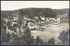 Postkort fra Agder (Avtrykket) Tags: bolighus brygge båthus hus postkort pram sjekte sjø uthus arendal austagder norway nor