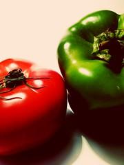 Tomato and Green Pepper (msergeevna) Tags: tomato green prestigio food red pepper еда вкусно витамины перец помидор овощи